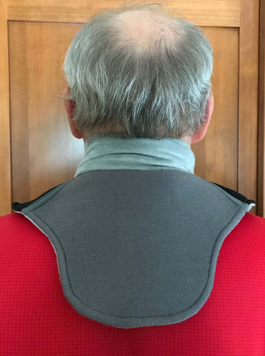 Battle Creek Embrace ™ Relief Neck Wrap – Portable, 3 Temperature Settings, Auto Shut Off, Wireless & Rechargeable Wrap, Battery-Operated Heat Therapy Wrap for Neck Pain Relief, , large image number 4