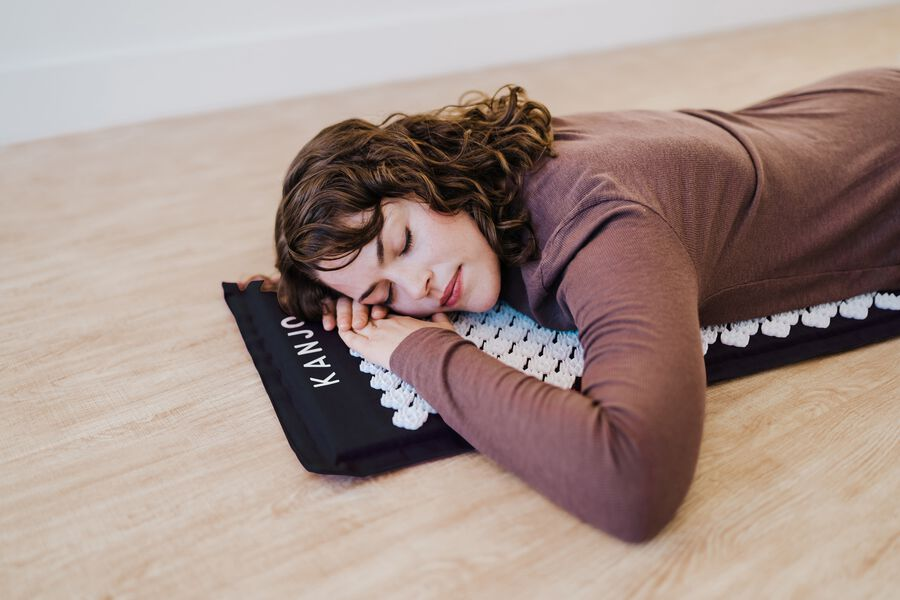 Kanjo Memory Acupressure Mat Set with Pillow, Onyx, , large image number 15