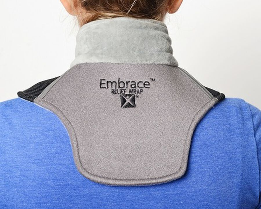 Battle Creek Embrace ™ Relief Neck Wrap – Portable, 3 Temperature Settings, Auto Shut Off, Wireless & Rechargeable Wrap, Battery-Operated Heat Therapy Wrap for Neck Pain Relief, , large image number 2
