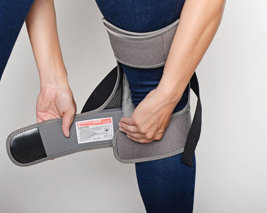 Battle Creek Embrace ™ Relief Knee Wrap – Portable, 3 Temperature Settings, Auto Shut Off, Wireless & Rechargeable Wrap, Battery-Operated Heat Therapy Wrap for Knee Pain Relief, , large image number 19