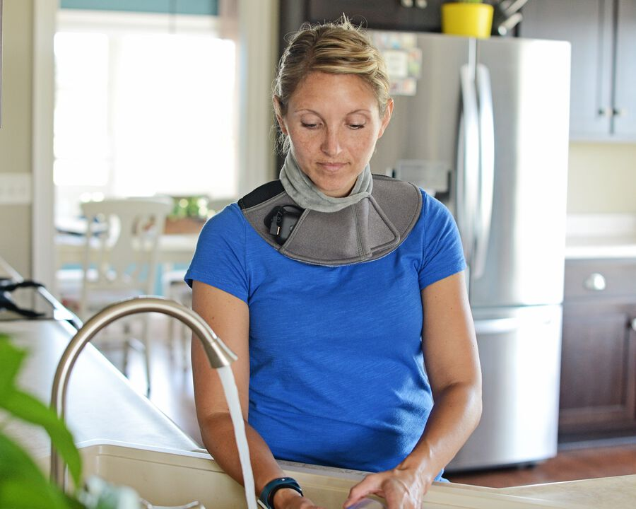 Battle Creek Embrace ™ Relief Neck Wrap – Portable, 3 Temperature Settings, Auto Shut Off, Wireless & Rechargeable Wrap, Battery-Operated Heat Therapy Wrap for Neck Pain Relief, , large image number 18