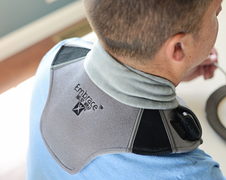 Battle Creek Embrace ™ Relief Neck Wrap – Portable, 3 Temperature Settings, Auto Shut Off, Wireless & Rechargeable Wrap, Battery-Operated Heat Therapy Wrap for Neck Pain Relief, , large image number 16
