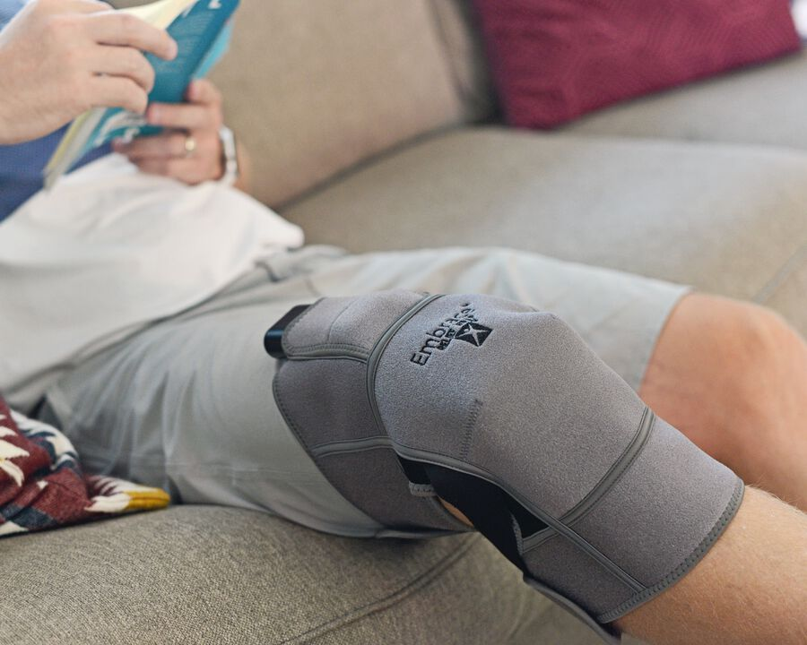Battle Creek Embrace ™ Relief Knee Wrap – Portable, 3 Temperature Settings, Auto Shut Off, Wireless & Rechargeable Wrap, Battery-Operated Heat Therapy Wrap for Knee Pain Relief, , large image number 7